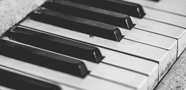 The smart approach for learning piano as an adult